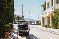 Обваловка в Порту Черногории обозревая море Стоковые Фотографии RF