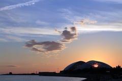 обваловка моря небо захода солнца Стоковые Фотографии RF