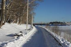 Обваловка Рекы Волга в городе Tver Стоковые Изображения