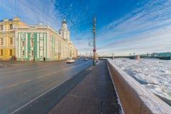 Обваловка университета, Kunstkamera, мост дворца Стоковые Изображения RF