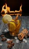 обдумыванное вино с циннамоном лимона стоковая фотография rf