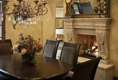 обедать комната роскоши камина Стоковые Изображения RF