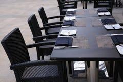 обедать напольная таблица установки стоковое изображение rf