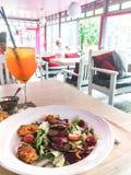 Обедающий в ресторане Стоковое Изображение RF