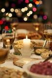 Обеденный стол установленный для пиршества рождества Стоковое Фото