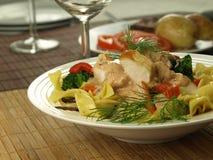 Обед ресторана с салатом tagliatelle стоковая фотография