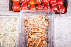 Обед упакованный в различных коробках Стоковое Фото