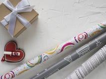 Обернутая винтажная подарочная коробка Стоковые Фото
