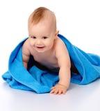 обернутое полотенце голубого ребенка милое Стоковые Изображения RF