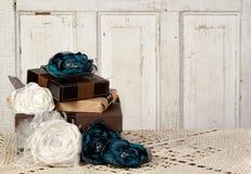 обернутый сбор винограда пакетов цветков Стоковое Фото