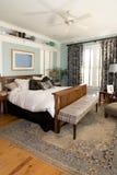 обеспеченное уютное спальни Стоковые Изображения RF
