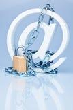обеспеченность интернета данных безопасная занимаясь серфингом стоковая фотография