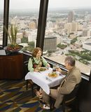 обедать пар возмужалый Стоковая Фотография RF