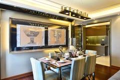 обедать самомоднейшая комната стоковое фото rf