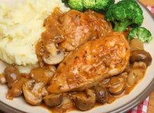 Обедающий тушёного мяса Chasseur цыпленка Стоковая Фотография