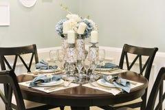 Обеденный стол в dinning комнате Стоковое Изображение