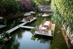 Обеденный стол на ресторане Турции реки Стоковая Фотография RF