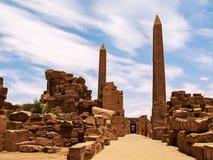 2 обелиска на входе к комплексу Египту виска Karnak Стоковое Изображение
