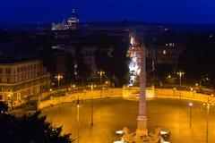 Обелиск Flaminy на ландшафте города Popolo Square.Night Стоковое фото RF