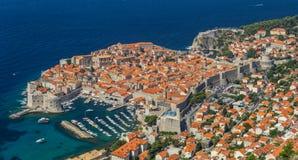 Обзор к старому городку Дубровника, Хорватии стоковая фотография rf