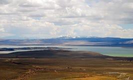 Обзор mono озера в Калифорнии Стоковые Фотографии RF
