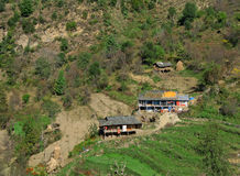 обитая соплеменное himalayan kullu Индии сельское стоковое изображение rf