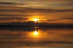 облака вниз идут солнце к Стоковое Фото