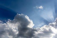 Облака и световой луч Стоковое Фото