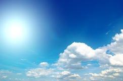 Облака и солнце Стоковое Изображение RF