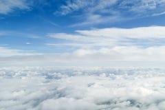 облака летая внутрь Стоковое фото RF