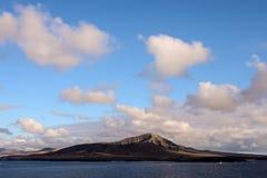 облака над горами, цифровым изображением фото как предпосылка стоковое изображение rf