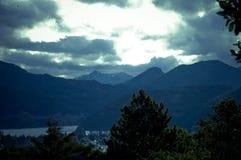 Облака над озером Lacar Стоковое Изображение