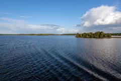 облака над рекой Стоковая Фотография