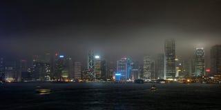 Облака над Hong Kong на ноче Стоковые Изображения