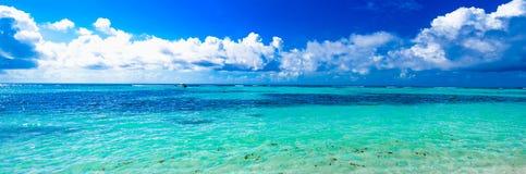 Облака неба моря ландшафта Стоковое Изображение
