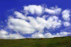 Облака плавая вперед стоковые изображения rf