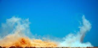 Облака после серии взрывов стоковое фото