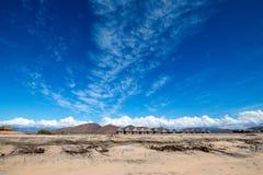 Облака цирруса над пляжем Cerritos - Нижней Калифорнией стоковые изображения