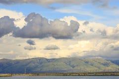 Облака шторма выходя зона залива над Диабло выстраивают в ряд Стоковые Изображения RF