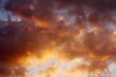 облака fiery стоковая фотография