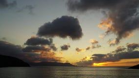 Облака Galiicia Испании захода солнца атлантические сток-видео
