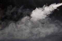 Облако белого дыма на черной предпосылке Стоковая Фотография RF