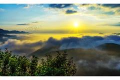 Облако и гора Стоковые Фотографии RF