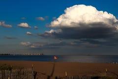 Облако над океаном стоковое изображение rf