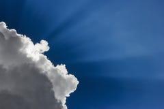 Облако перед солнцем стоковые изображения