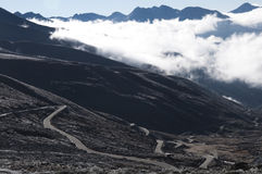 Облако под горами Стоковое фото RF