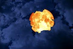 облако супер силуэта космоса задней части луны полной крови синее на s стоковые фотографии rf