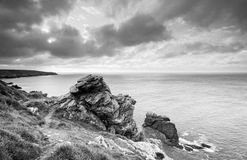Облачное небо в побережье Finistere стоковое фото rf