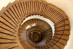 Обматывая деревянная лестница Стоковое Изображение
