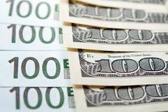 обмен usd евро Стоковые Фотографии RF